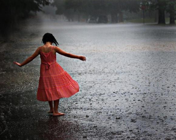 Girl-dancing-rain_thumb[2]