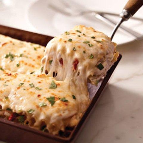 Creamy-White-Chicken-Artichoke-Lasagna