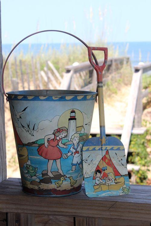 Vintage sand bucket