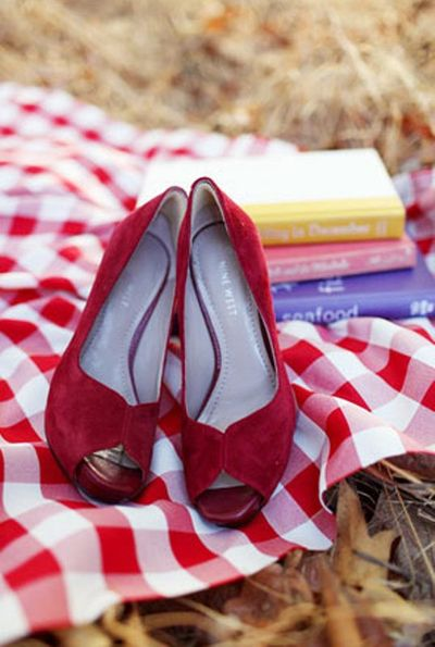 Vintage-picnic-red shoes